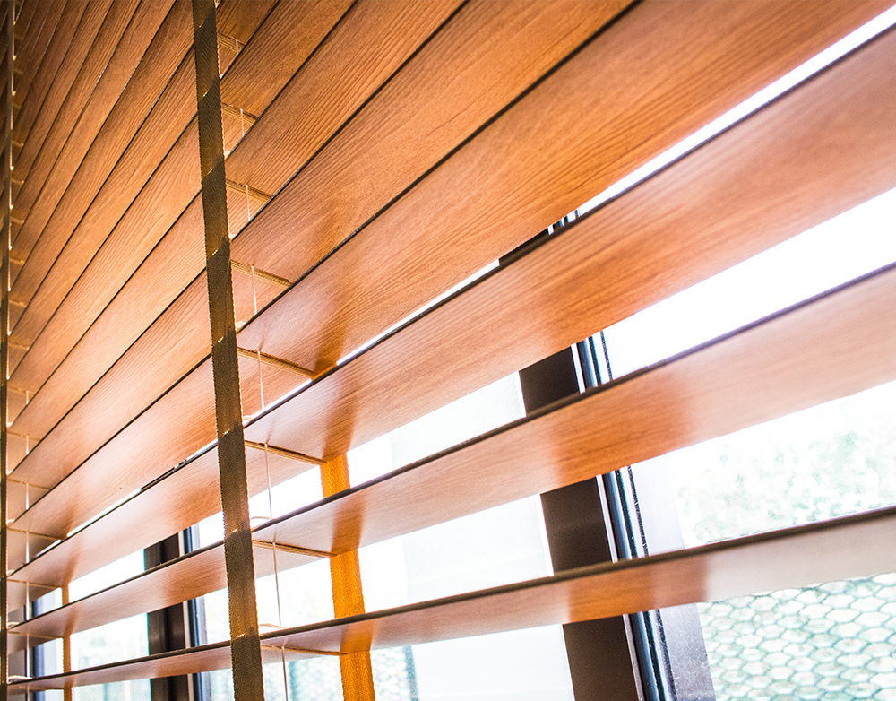 Wooden pull string blinds